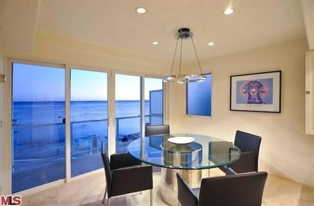 Dining Room.. love that view
