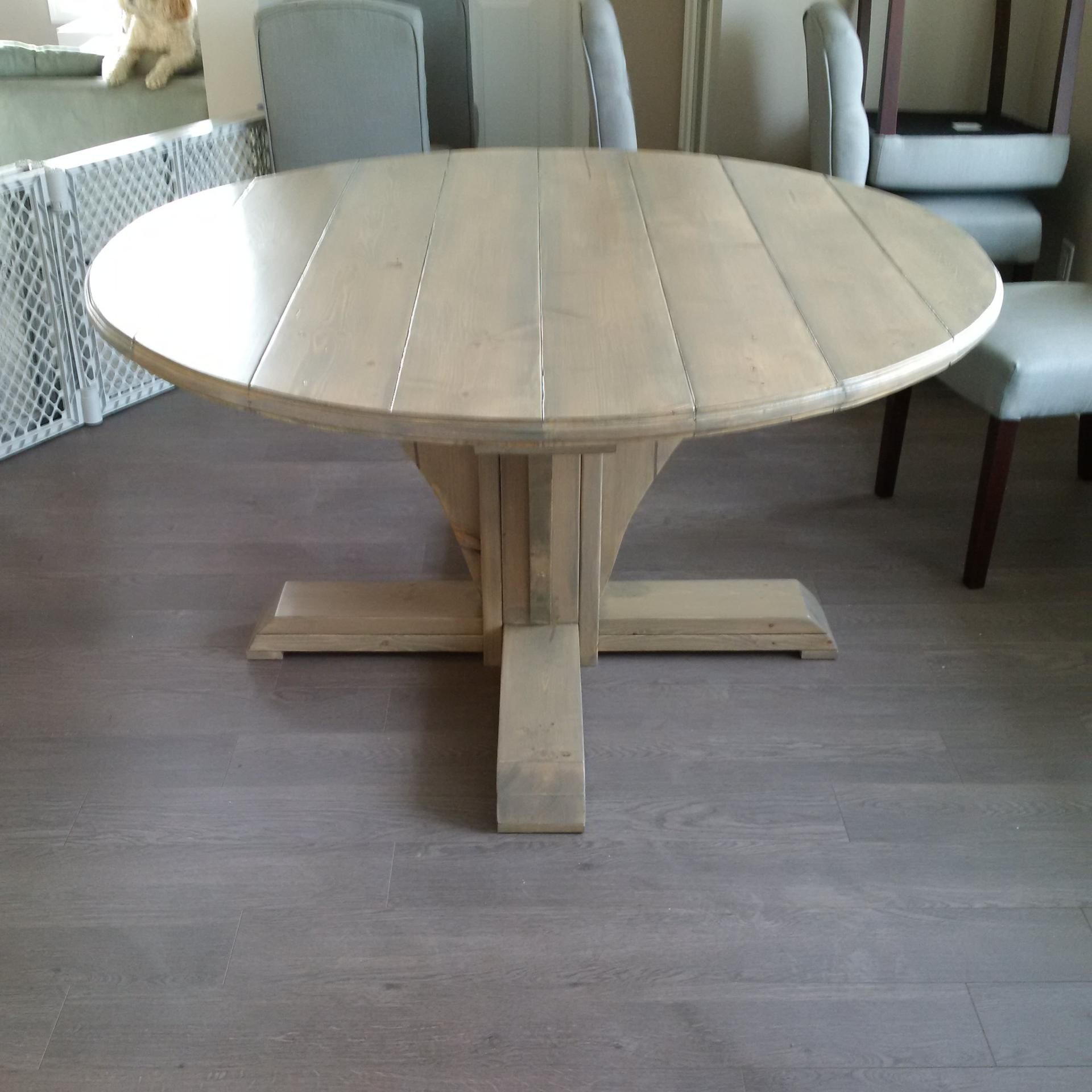 Round Farmhouse Style Table Do It Yourself Home Projects
