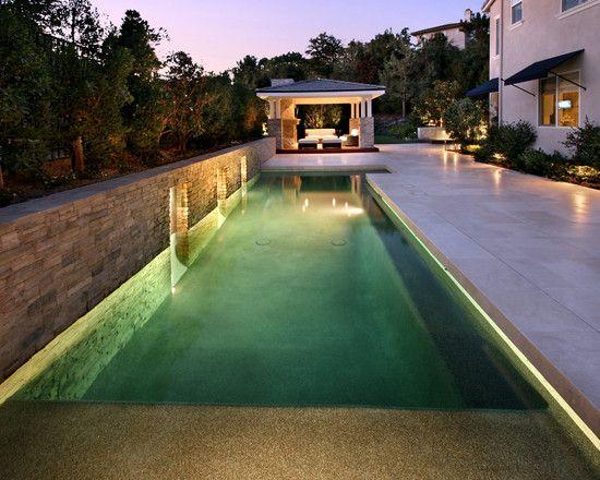 Piscinas angostas espacios peque os para rehabilitaci n o for Diseno de piscinas en espacios pequenos