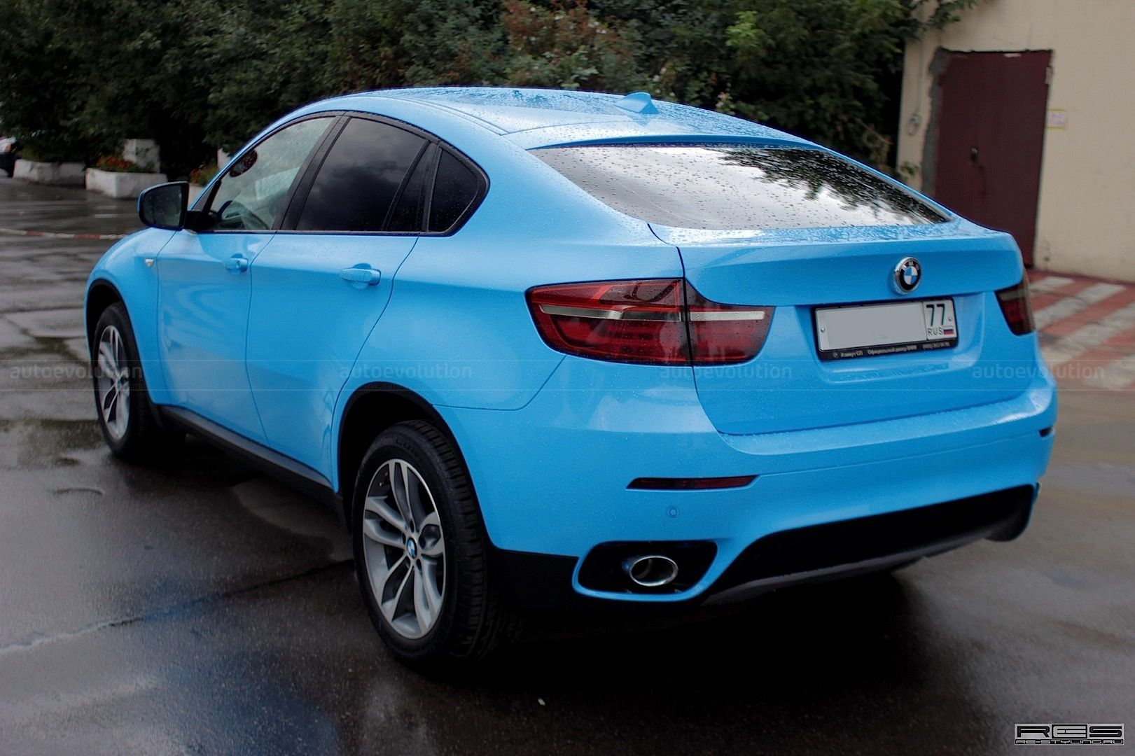 smurf blue bmw x6 dream cars wish list pinterest bmw x6 blue and bmw. Black Bedroom Furniture Sets. Home Design Ideas