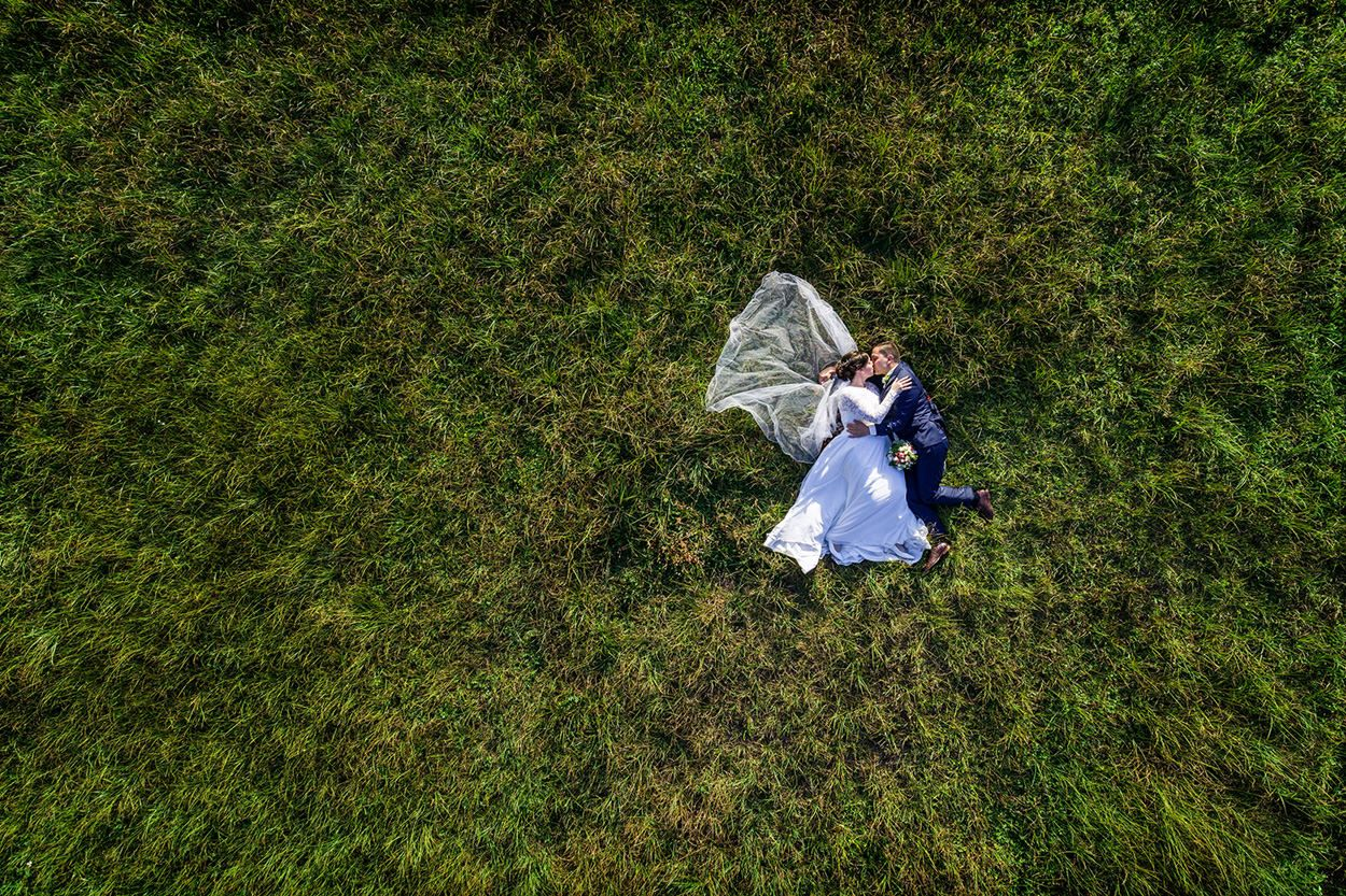 Hochzeitsfotos Von Reinhardt Sommer Hochzeitsfotografen Seit 2009 Aus Der Luft Drohne In 2020 Hochzeitsfotos Hochzeitsfotograf Hochzeit