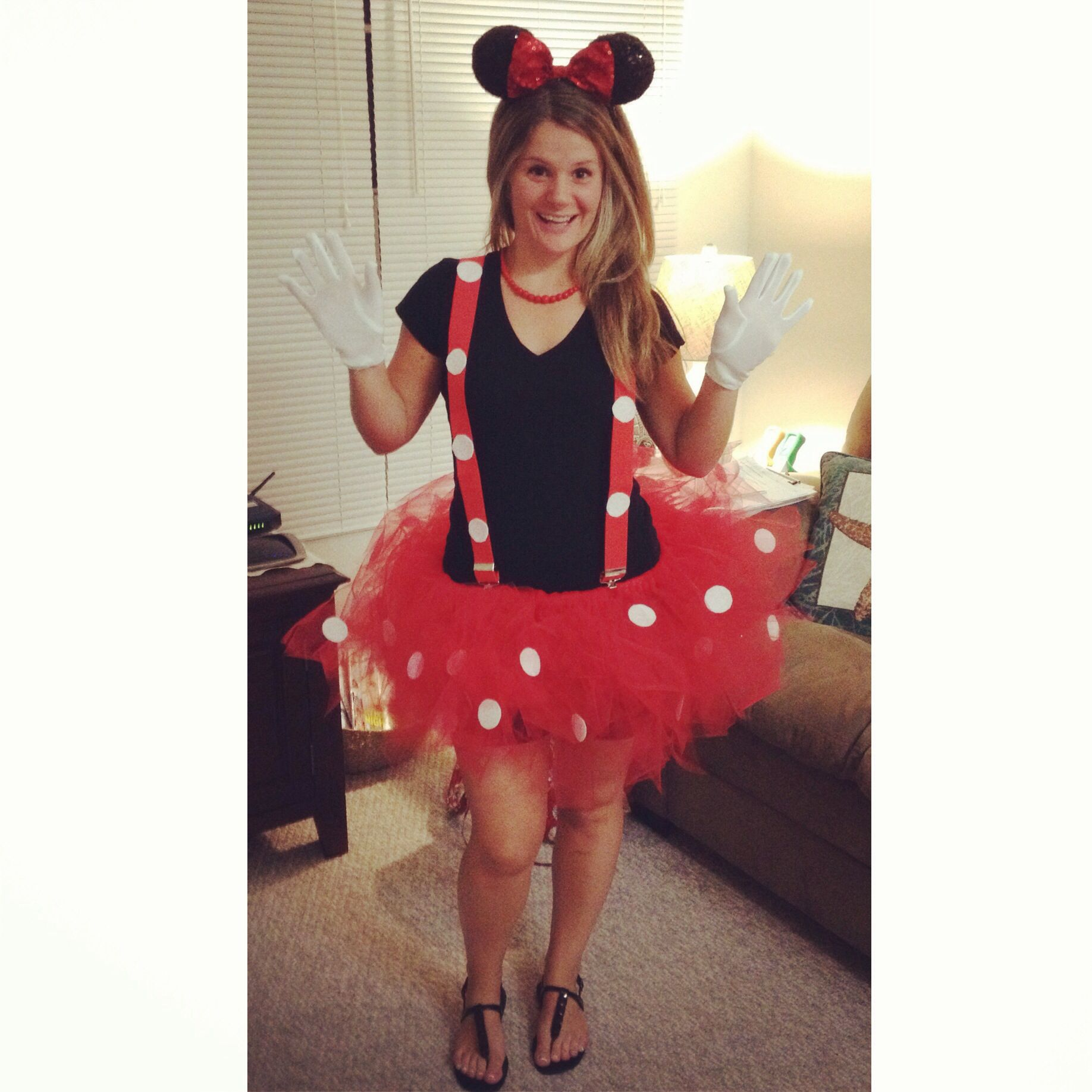 Diy minnie mouse costume for a woman diy pinterest for Diy halloween costumes for adult women