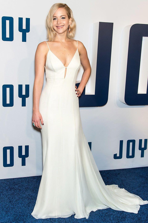 Week In Fashion Daisy Ridley Awakens The Fashion Force At The Star Wars Premiere Jennifer Lawrence Dress Jennifer Lawrence Style Dresses