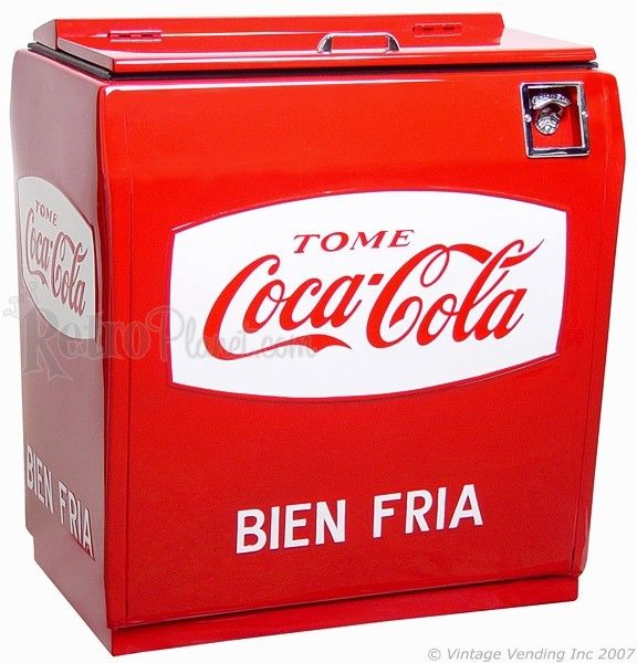 Mexican Mundiel Coca-Cola Cooler Vending Machine // via Vintage Vending Blog