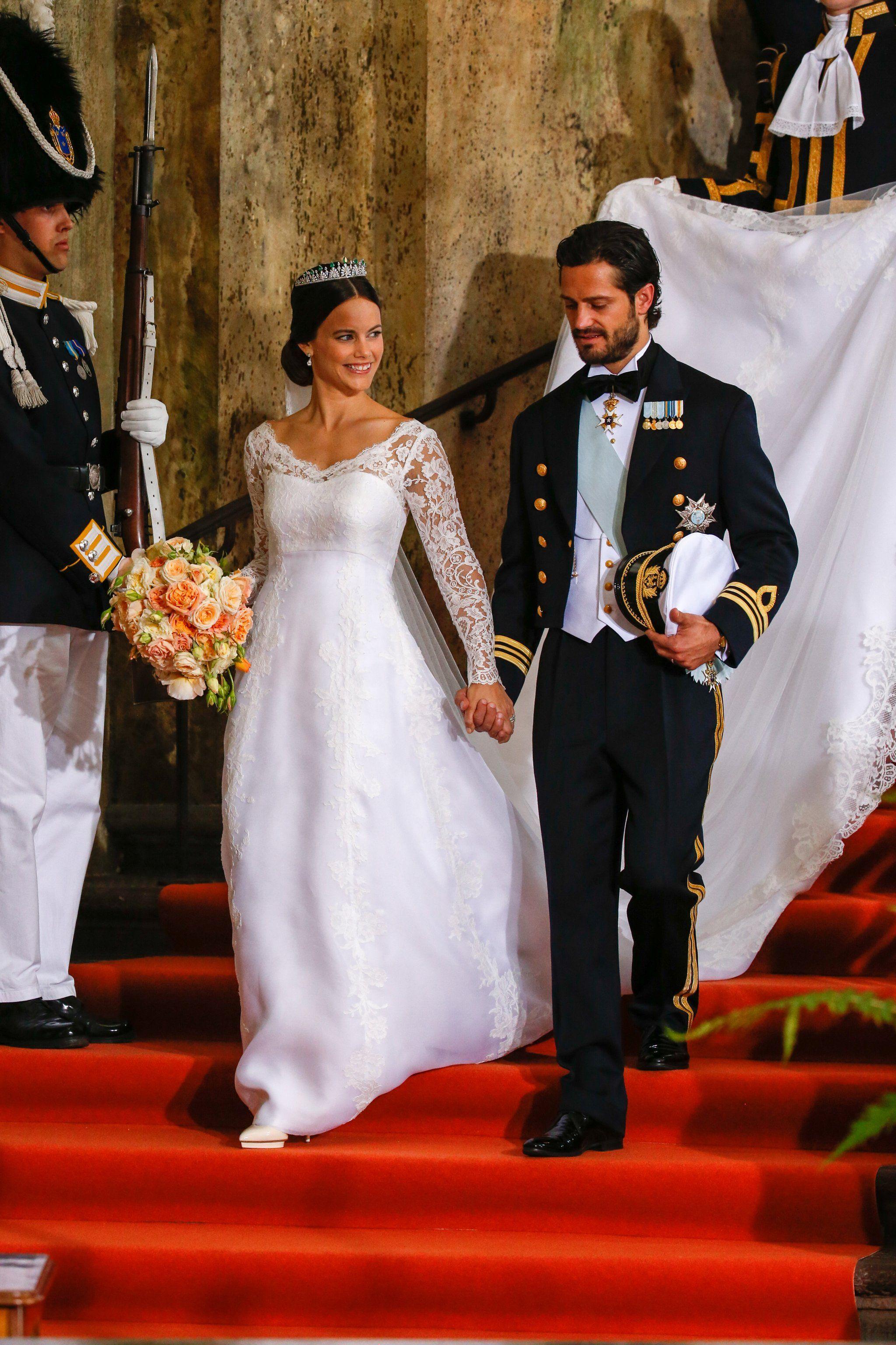 Prepare To Swoon Over Princess Sofia S Stunning Wedding Gown Royal Wedding Gowns Royal Wedding Dress Princess Sofia Of Sweden [ 3072 x 2048 Pixel ]
