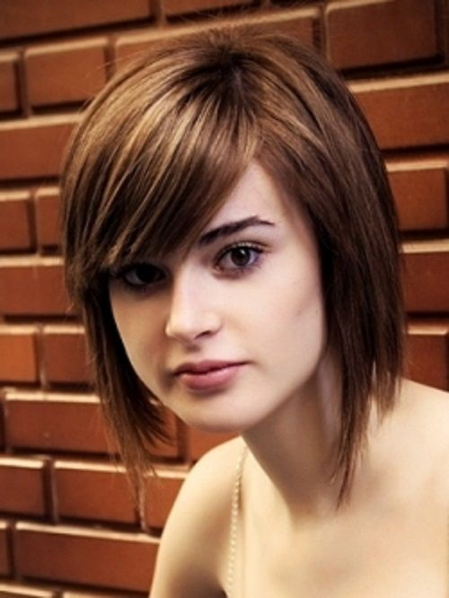 Thick Straight Hair Medium Length With Bangs Gaya Rambut Sedang Potongan Rambut Sedang Rambut Pendek