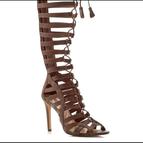 f8b69f6dc5f4 Vince Camuto gladiator Peep toe caged lace-up shaft