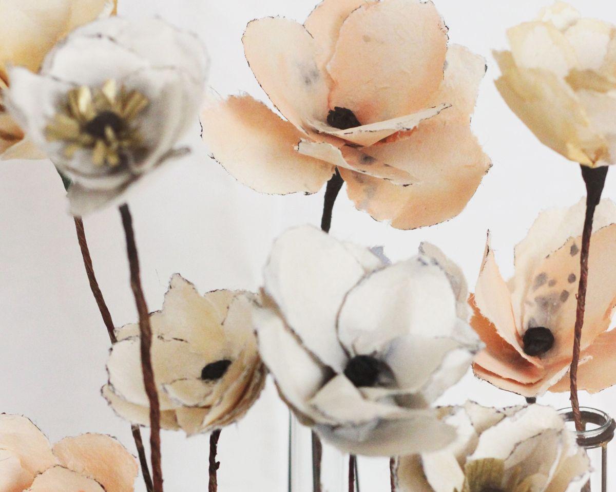 Hermoso tutorial pata hacer estas flores de papel.
