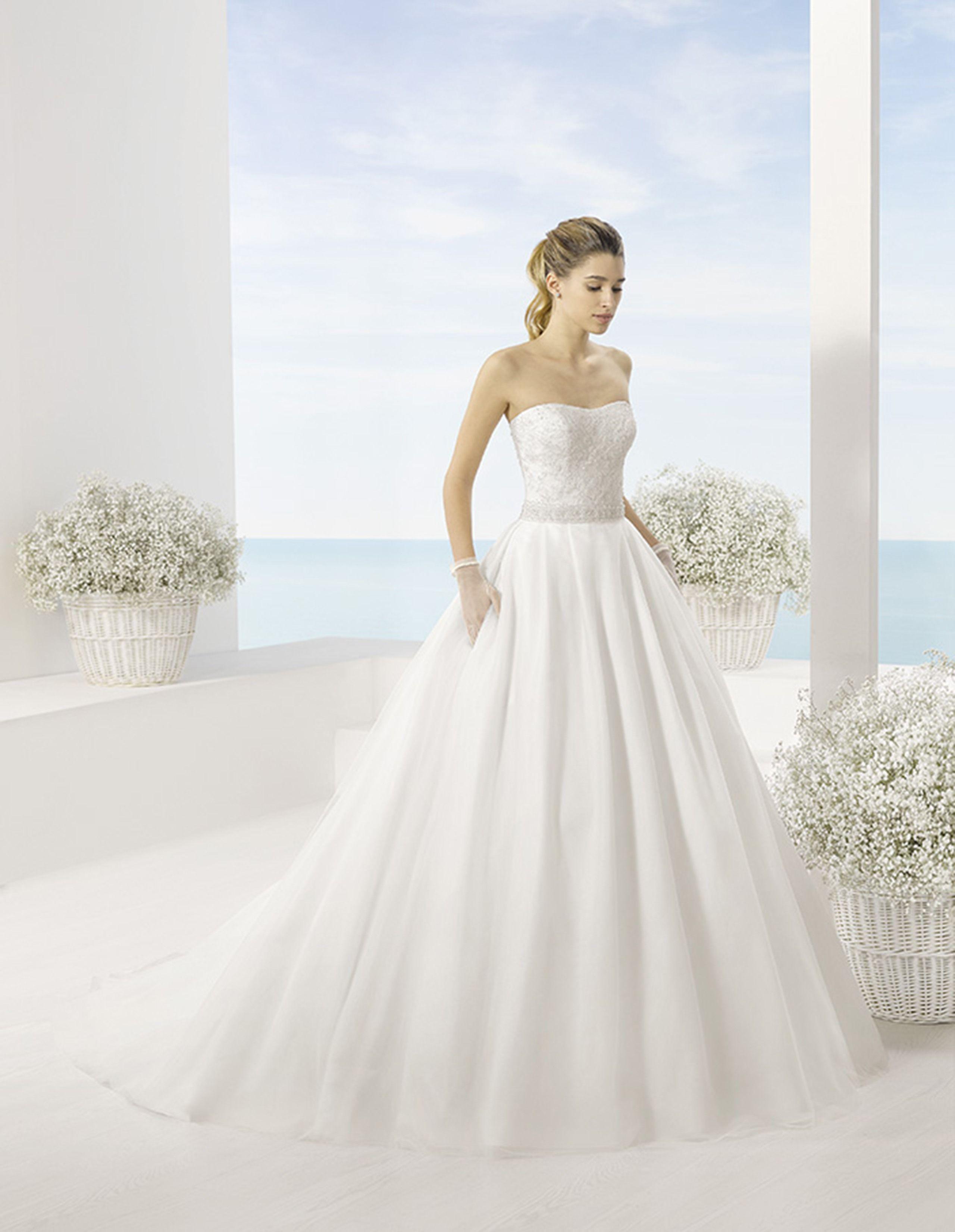 1b9e92f6ee vestidos novia luna novias