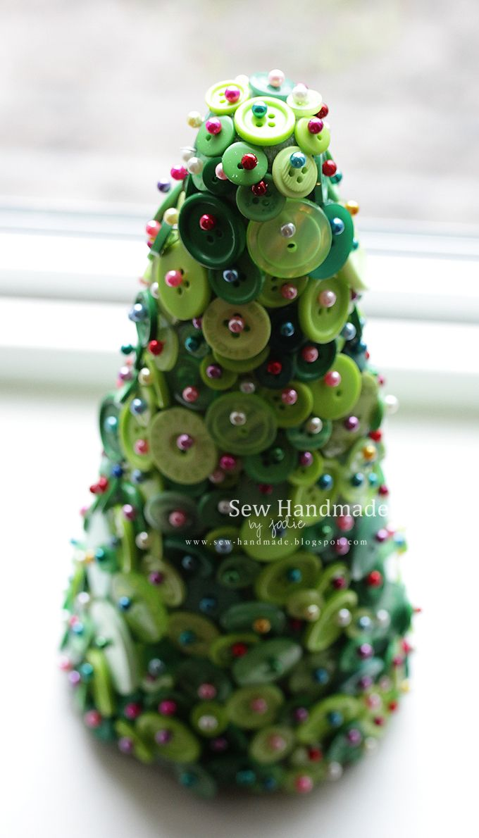 Button Tree - I think this would be really pretty with all white ...