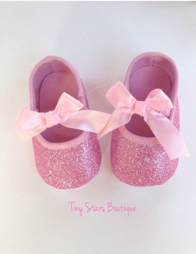 a8ac5f27c2bd8 Pink Baby Shoes ** Very delicate glitter Pink shoes ideal for any ...