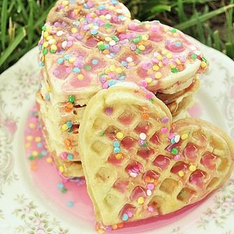 Happy National Waffle Day! #nationalholiday #nationalwaffleday #waffle #food #sweets #sweettooth #sugar #delicious #yummy #funfetti #syrup #sprinkles #suavecita #suavecitapomade