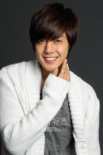 Kim Hyun Joong. Cantante, actor y modelo Coreano. Líder de la boyband Surcoreana SS501.