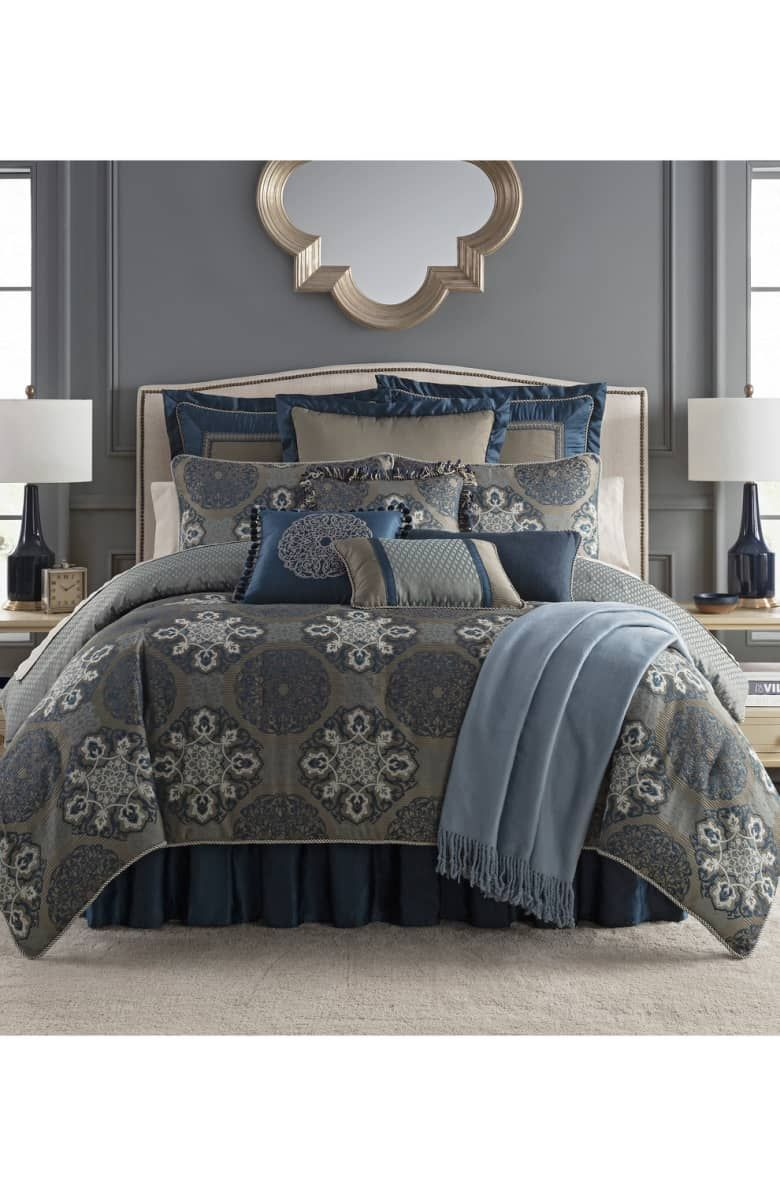 f7b236cf3c976  Affiliatelink Elevate your décor with a luxurious bedding set featuring an  ornate medallion pattern and