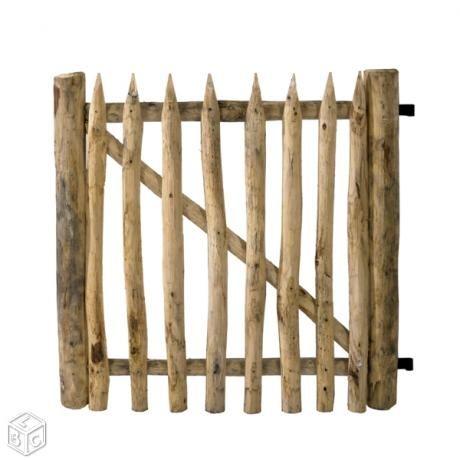 Portillon portail bois chataignier bricolage for Barriere bois flotte
