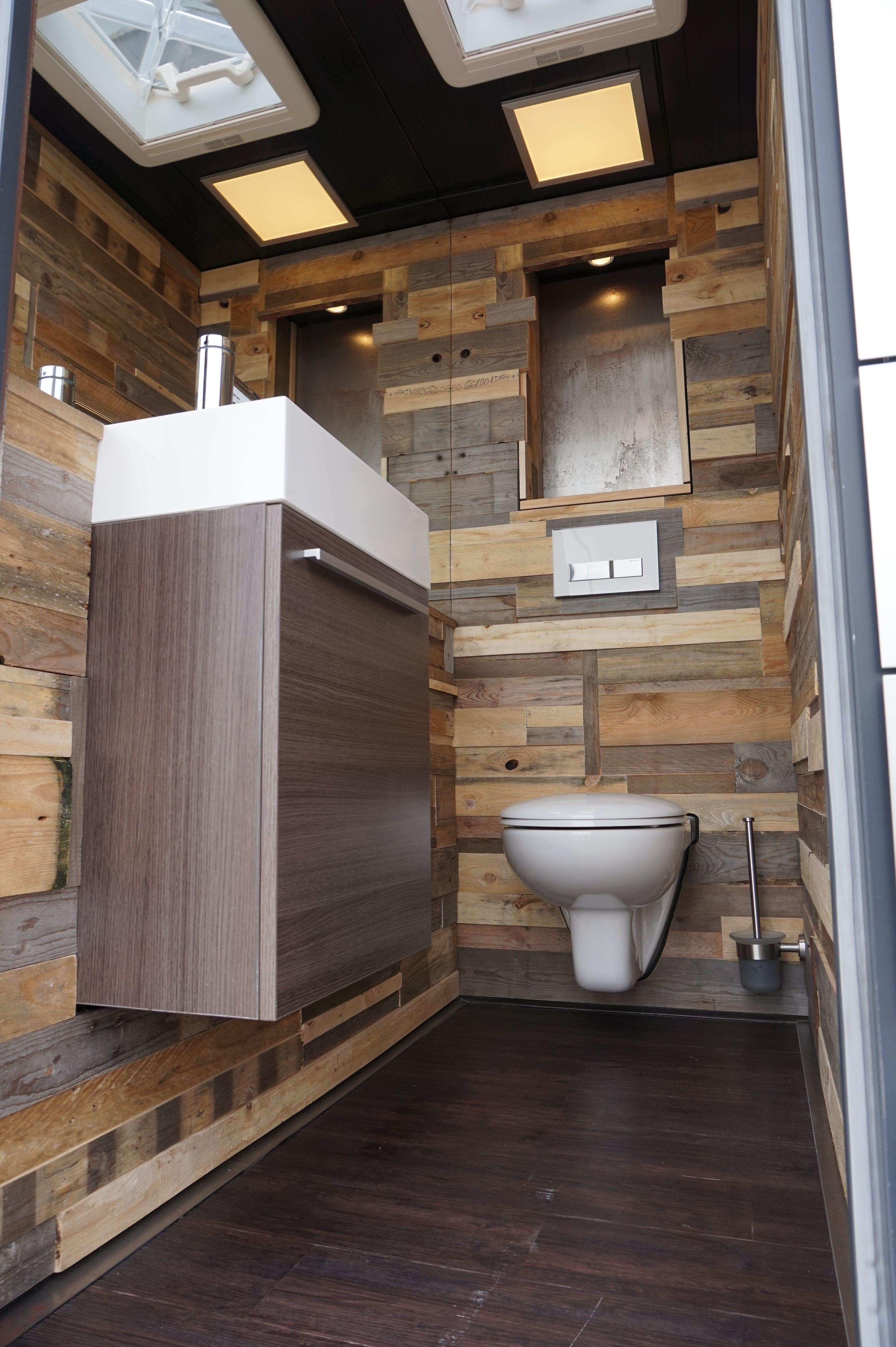 Der Mobile Toilettenwagen Von Spectra Auch Fur Ihr Event Mietbar Selber Bauen Toilette