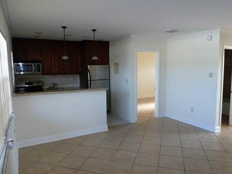1120 NE 9 Av #23 Fort Lauderdale, FL 33304 Living Area #fortlauderdale #realmiamibeach #lakeridge #rentals