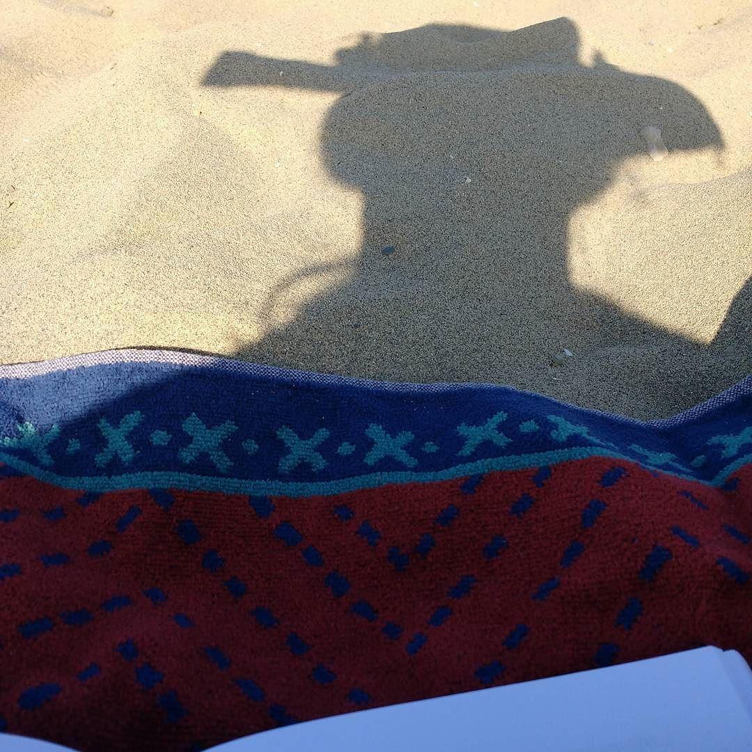 No non è Terence Hill: sono io che scatto foto alla mia ombra invece che studiare :D