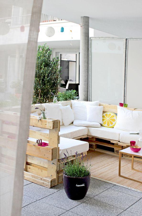 Terrassenmöbel lounge modern  Unsere neue DIY Terrasse | Rooftop terrace, Pallets and Balconies