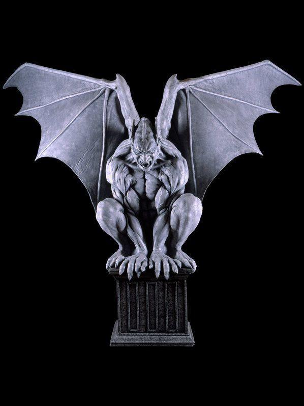 Stone Master Gargoyle Animatronic Prop Halloween Decorations