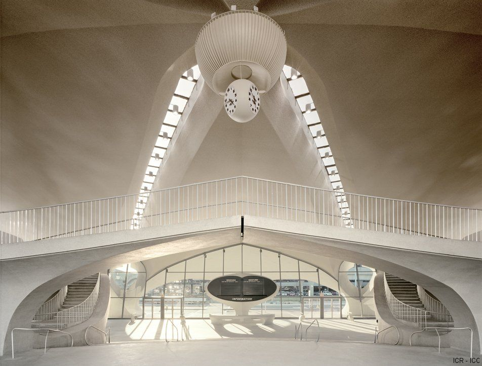 Virginia Duran Blog- Amazing Airports- TWA Terminal NY by Eero Saarinen Interior 2