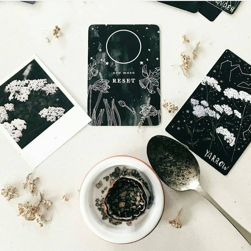 . New Moon days. . Excited about this next New Moon (August 1st Europe) . I'm starting a mini journaling challenge to keep me all calm… #newmoonritual . New Moon days. . Excited about this next New Moon (August 1st Europe) . I'm starting a mini journaling challenge to keep me all calm… #newmoonritual