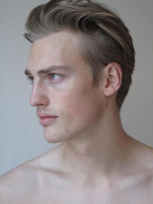Classic 1940 S Graduated Layers Men S Hair Mens Hairstyles 1940s Hairstyles Hair And Beard Styles