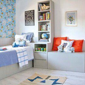 Una habitación compartida para estudiar y jugar: Muebles de tono gris lavado