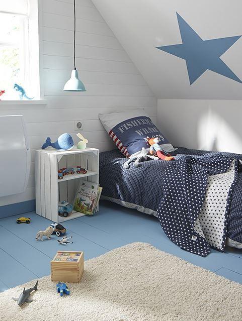 Pour gagner en luminosité dans cette chambre du0027enfant aménagée sous - peinture blanche pour mur
