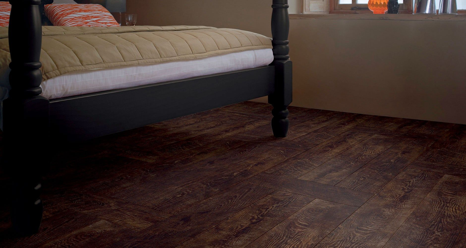Wood-Flooring-Bedroom-Vintage-Chestnut-AR0W773