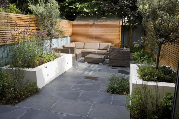Parcelas rectangulares y jardines de chalets adosados 24 for Diseno de fuente de jardin al aire libre