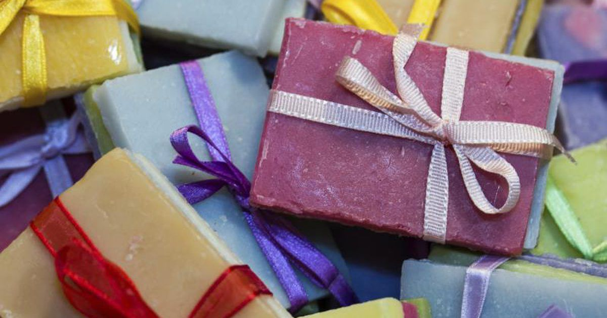 How to Make Homemade Soap From Olive Oil, Coconut Oil