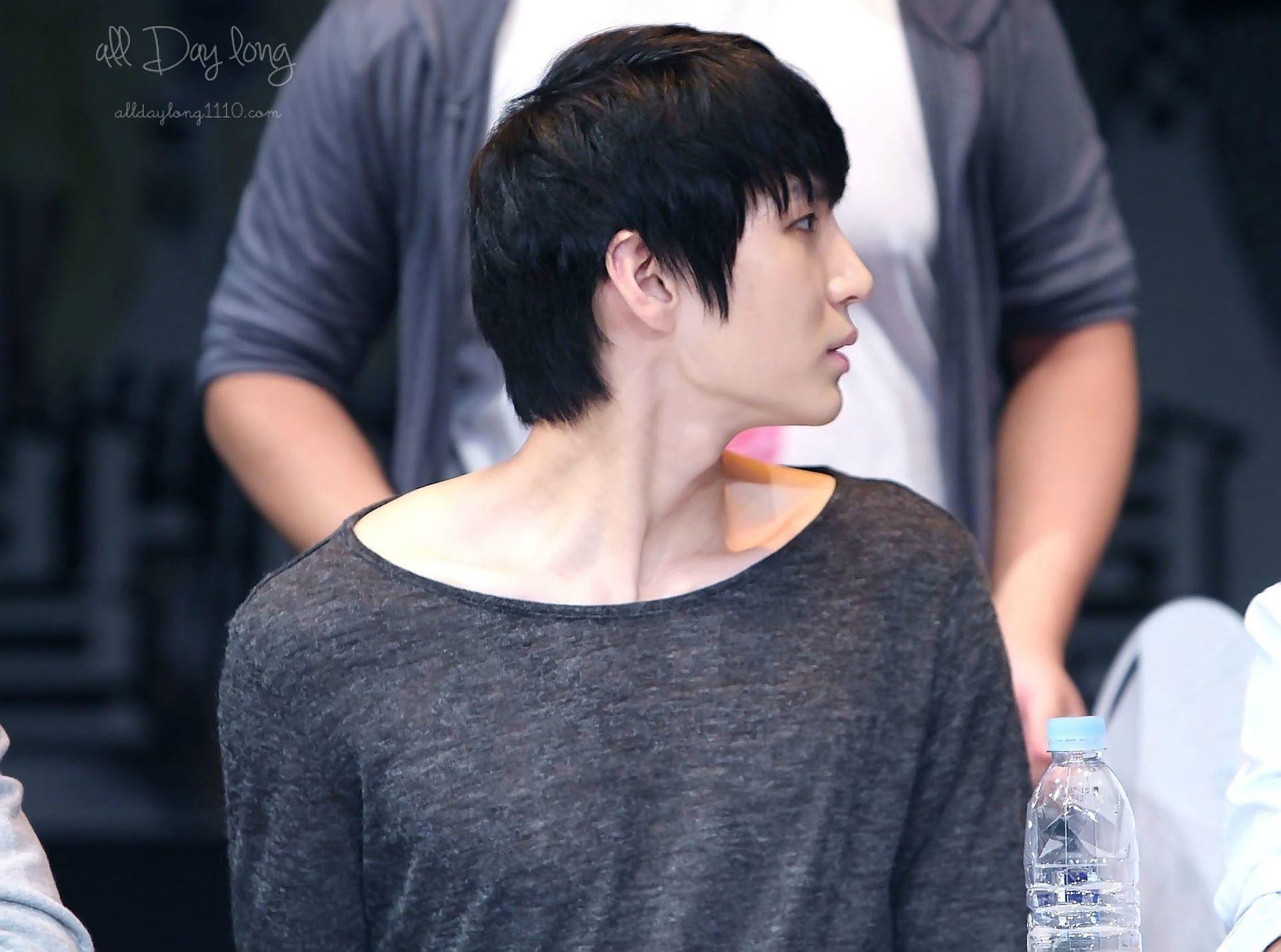 Leo [Jung Taek Woon] - fansign VIXX