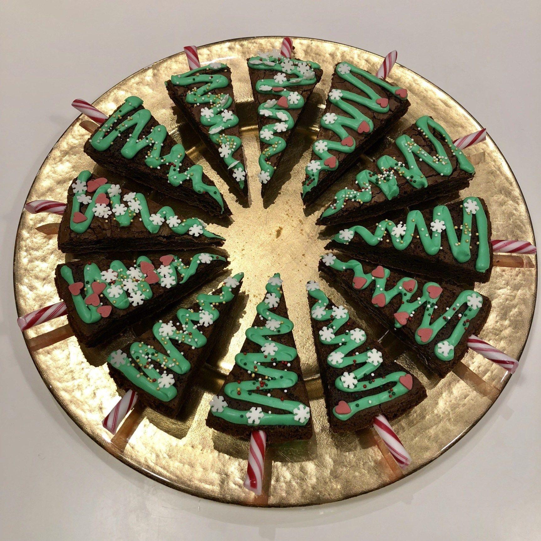 Nem kageide: Smukke juletræer af brownies fra box | DoodleMor #konfektjul
