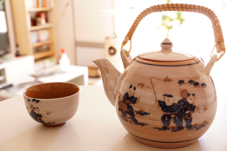 Service à thé chinois que mes grands-parents m'ont envoyé. Je m'en sers bien! Merci!