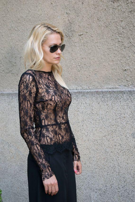 8cc776fc0b2673 Chemisier en DENTELLE chemise/dentelle Sexy chemisier Blouse  Top/Extravagant/élégant chemise Sexy Blouse/noir / noir dentelle Top /  chemisier par FloAtelier ...