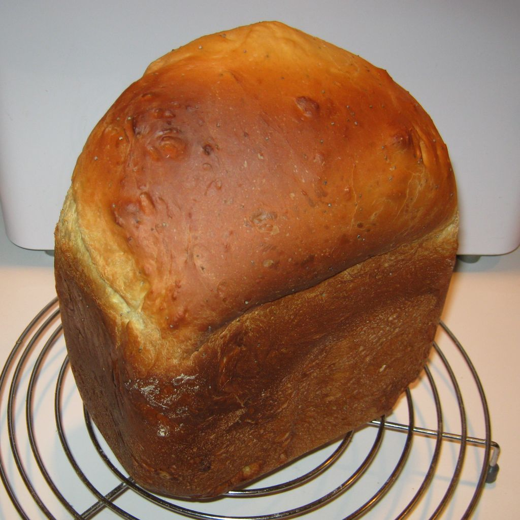 Heavenly Challah Bread You will need the following ingredients to make a one  and a half pound loaf of Heavenly Challah Bread in a bread machine: 6  ounces of ...