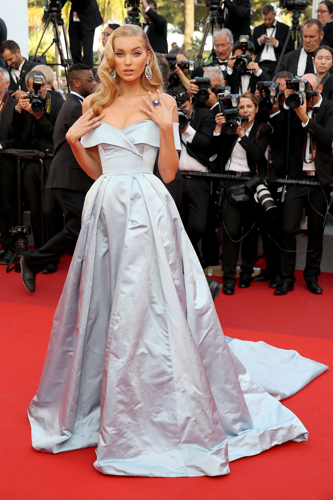 Cannes Film Festival 2017   Red carpet dresses, Celebrity ...