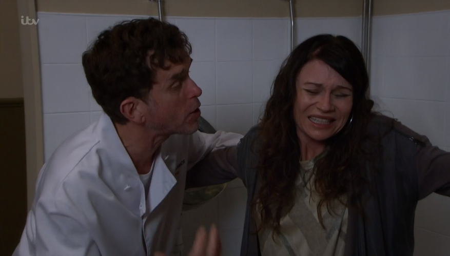 Emmerdales Chas Forced To Give Birth In The Pub Toilets With Marlon As The Midwife In Hilarious Scenes Viewers Attempts Marlon Hilarious Soap Opera