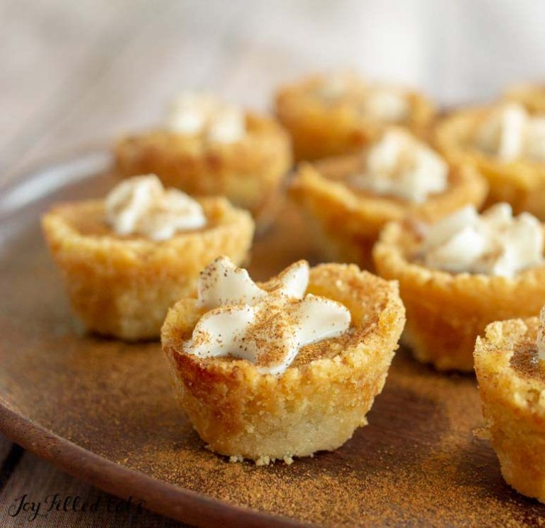 25 Low Carb Keto Thanksgiving Desserts Mini Pumpkin Pies Low