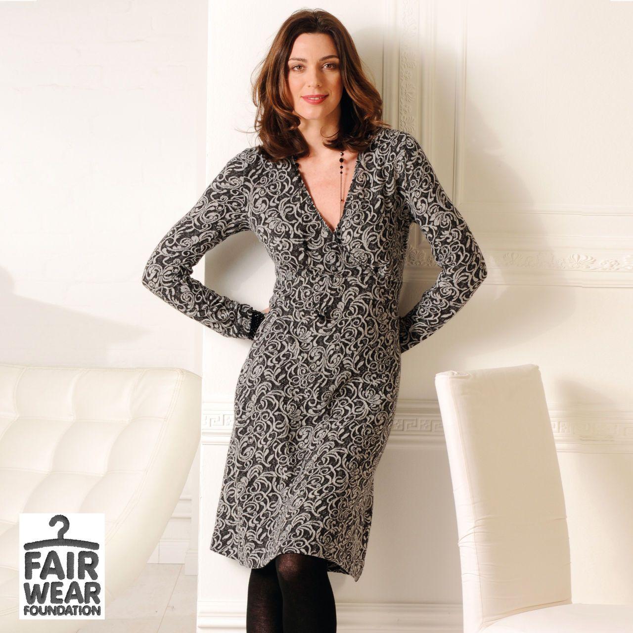 Kleid vom deutschen Bio-Label MADNESS 100% feinster Merinowolle - Nachhaltig produziertes, weiches & knitterfreies Kleid