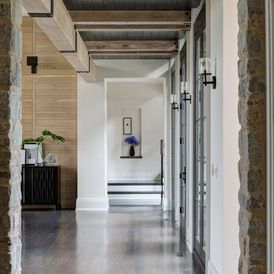 Traditional Hall by Culligan Abraham Architecture
