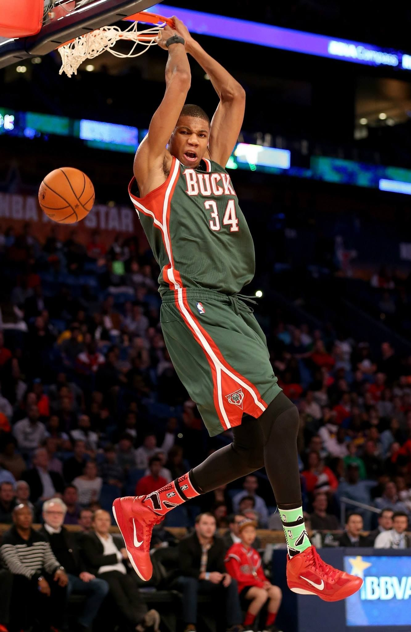 Giannis Antetokounmpo showing his hops in BBVA Rising