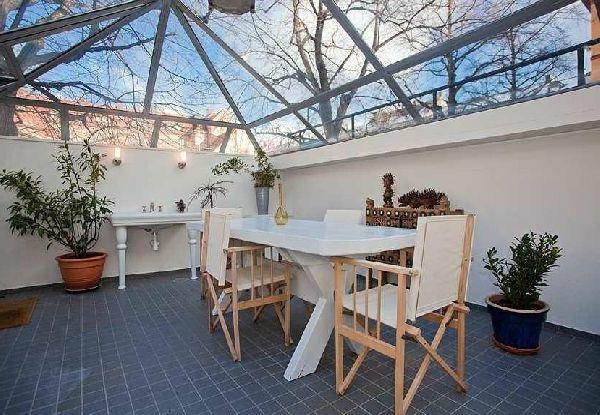 fenetre de toit avec poutre living space Pinterest Attic