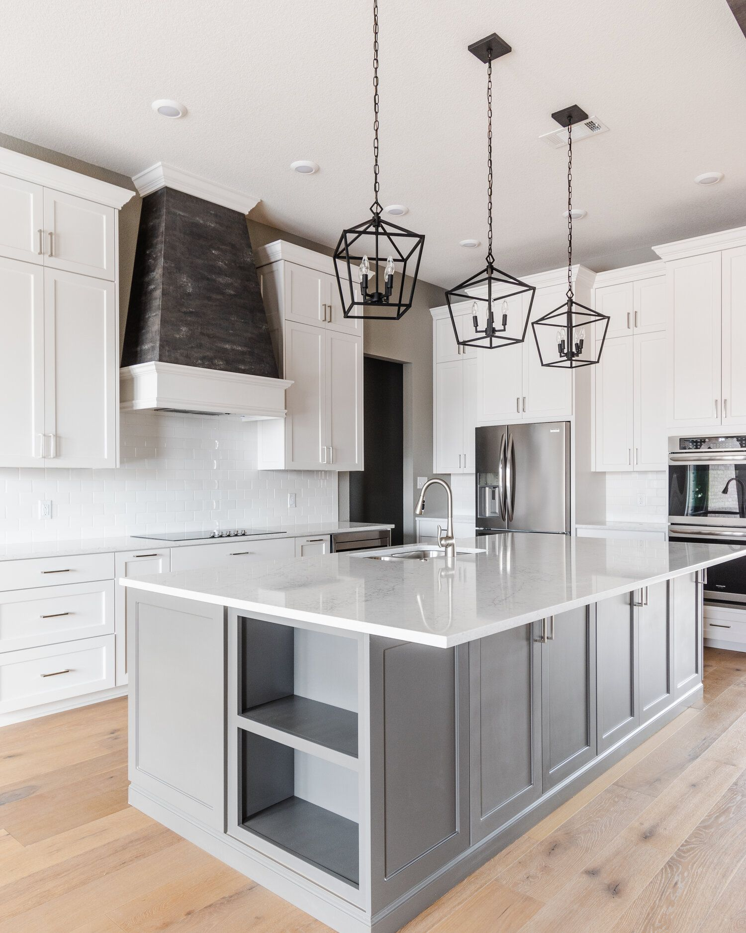 Traditional Meets Modern Carrington Creek Homes In 2020 White Modern Kitchen Gray And White Kitchen Modern Kitchen Design