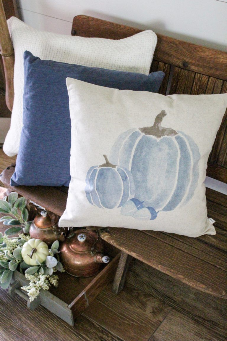 Farmhouse Fall Entryway Decor - Copper and Navy Blue Pumpkins #falldecor