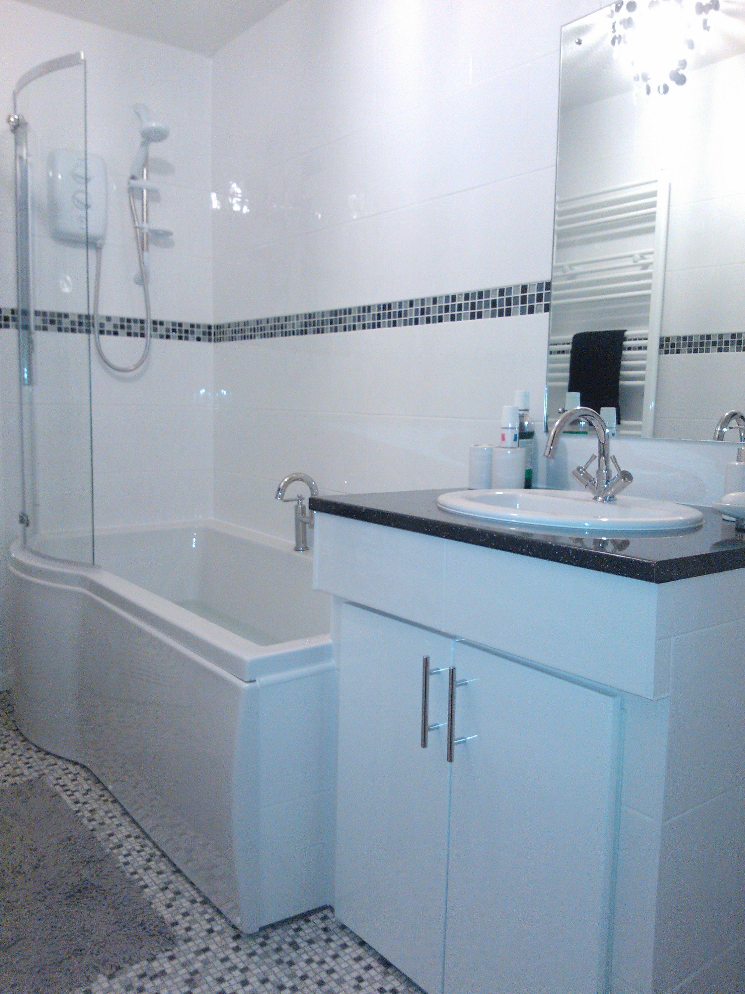 Fancy Bathroom Tile Border Application for Different Usage