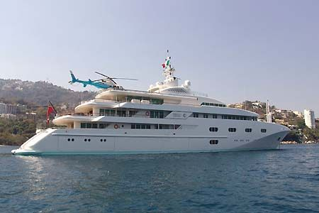 Caribbean Vacation - Luxury Yacht Rentals