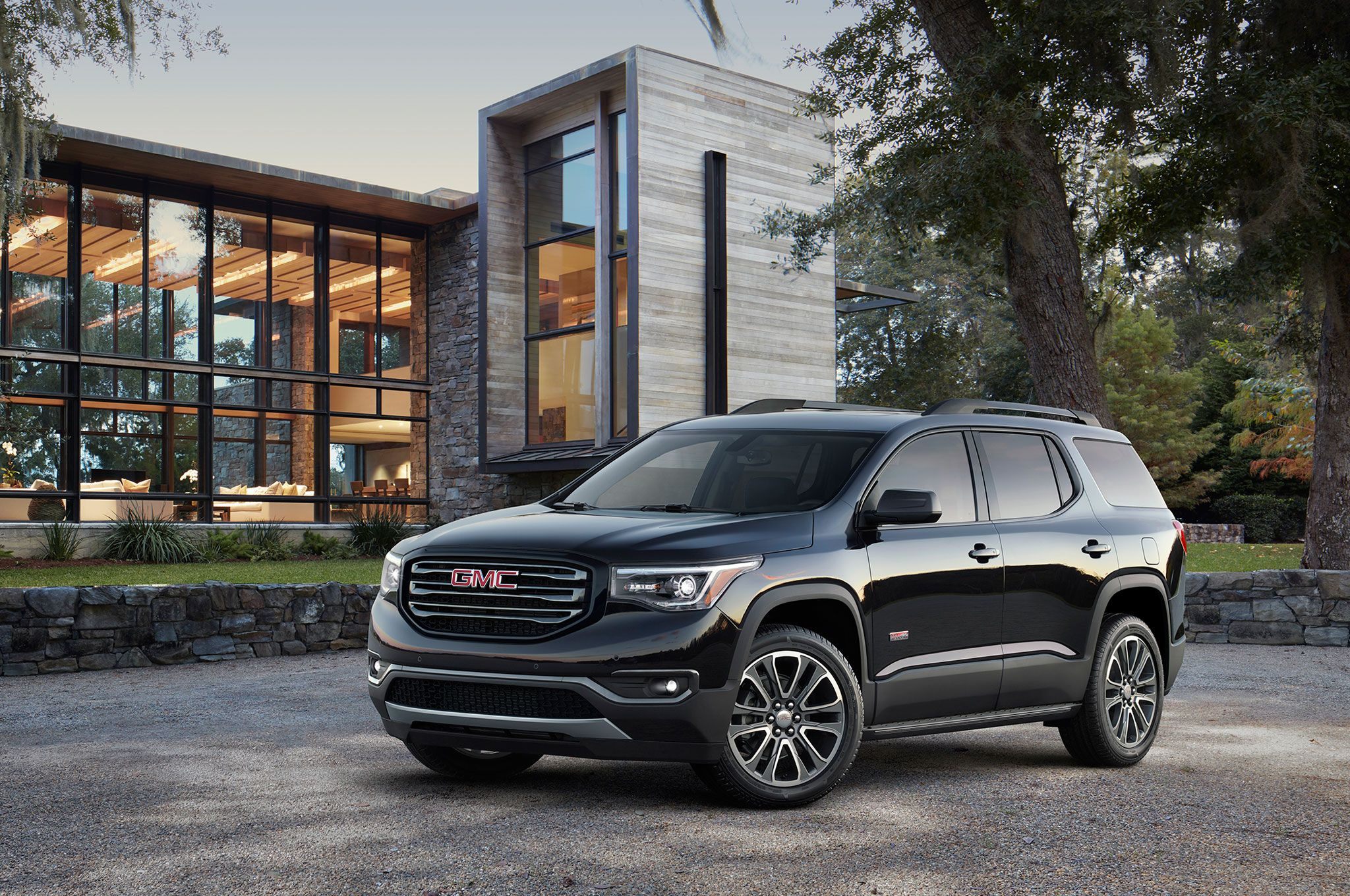 Gm S President Of North America Said That Sales To Daily Rental Fleets Would Fall By About 50 000 Units This Year Seven Seater Suv Suv Gmc Acadia 2017