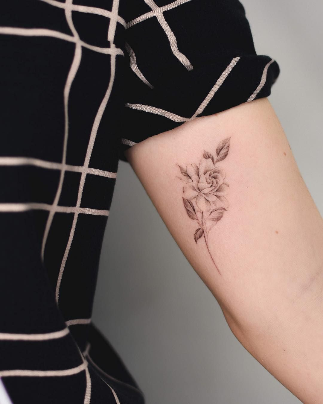 B ʀʏᴀɴ ɢᴜᴛɪᴇʀʀᴇᴢ On Instagram Gardenia Geometric Flower Tattoo Small Tattoos Small Geometric Tattoo